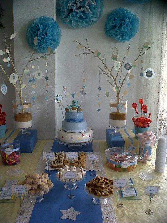 la mesa dulce... decorada en celste y amarillo